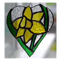 Daffodil Heart Suncatcher Stained Glass 014