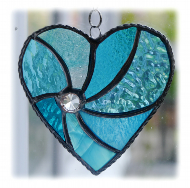 Turquoise Swirl Heart Stained Glass Suncatcher 044