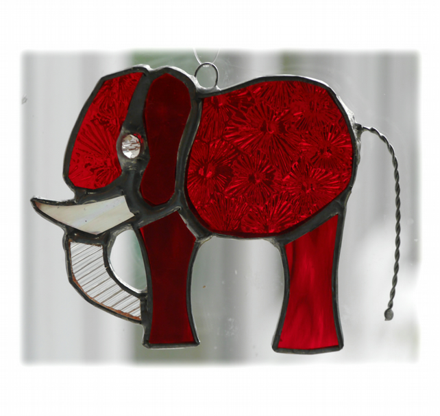 Elephant Suncatcher Stained Glass Red 090