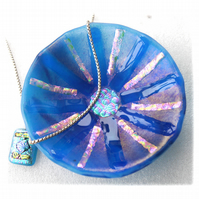 Fused Glass Bowl Round 12cm Turquoise Dichroic 044