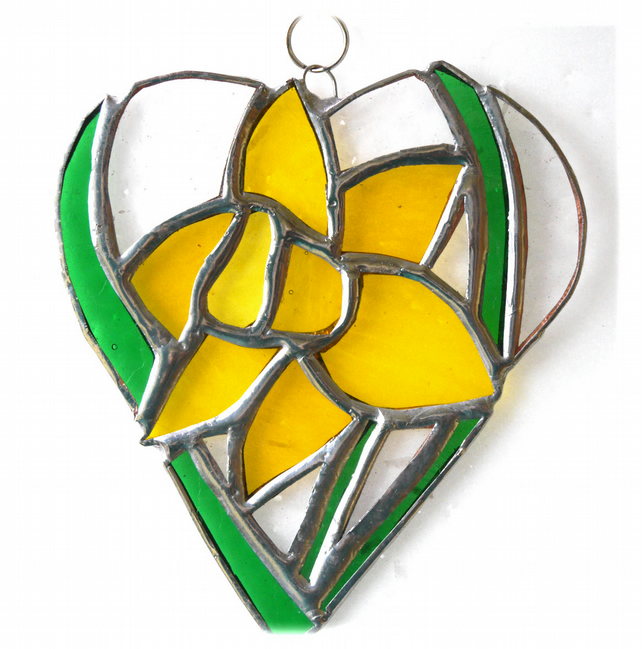 Daffodil Heart Suncatcher Stained Glass 021