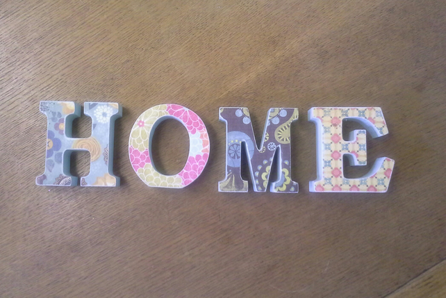 HOME - Wooden Word Decoration
