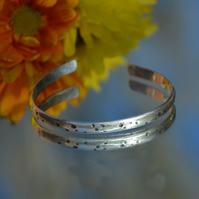 Sterling silver spotted bangle