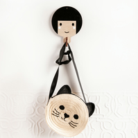 Children's wooden wall hooks - Black haired girl