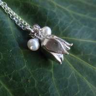 Sterling silver flower necklace with freshwater pearls - gift for her