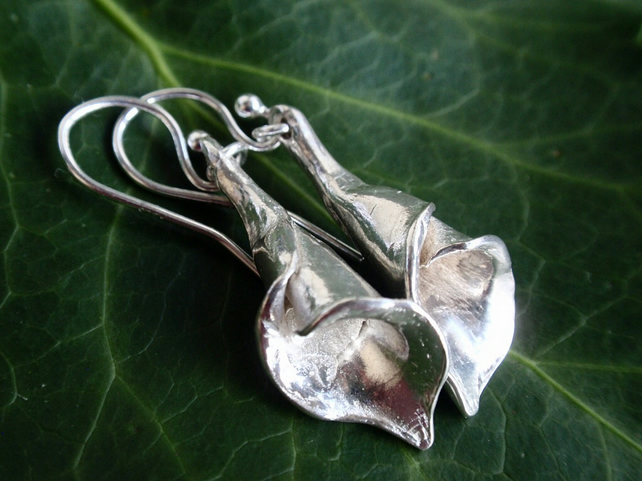 Sterling silver lily earrings - calla lily earrings with silver flowers