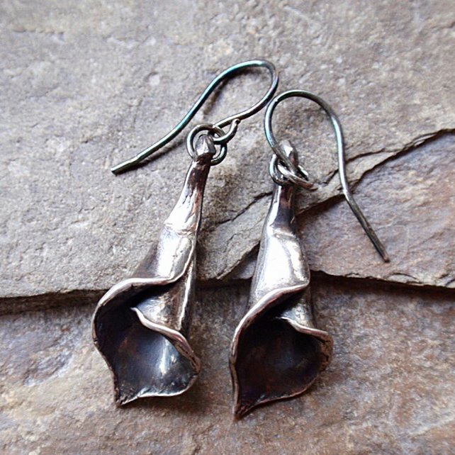 Sterling silver lily earrings - oxidised flower earrings