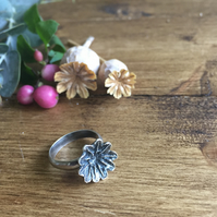 Sterling silver poppy seed head ring - a Christmas gift for a nature lover