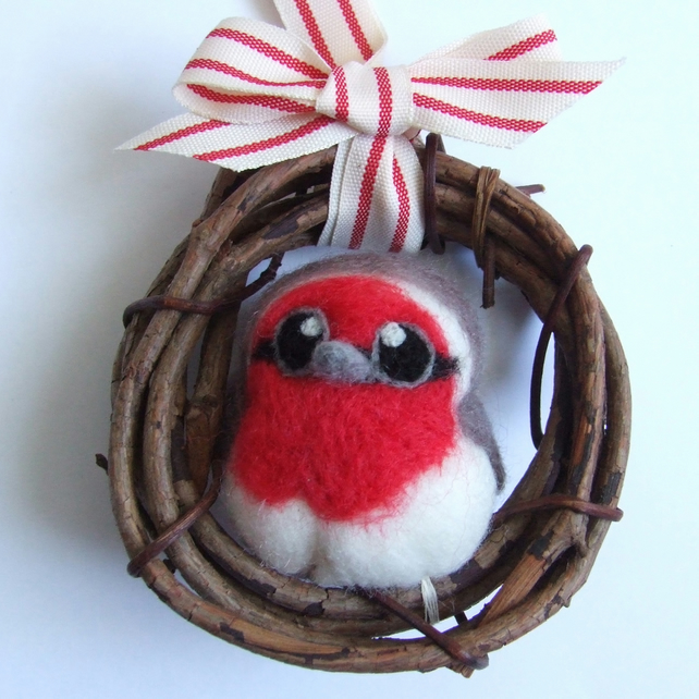 Mini Wreath with Needle Felted Robin Felt Bird