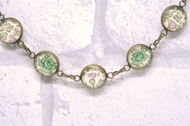 Green William Morris Style Pretty Glass and Antiqued Bronze Bracelet