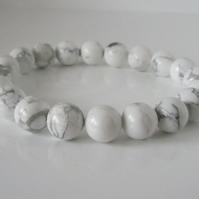 Chunky White & Pastel Grey Howlite Beaded Stretch Unisex Fashion Bracelet