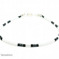 "Black & White Seed Bead Bracelet - Friendship Boho Fashion Bracelet - 6.5"" - 8"""