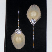 2 Nude Cream PEACOCK EYE Feather Hair Grips Crystal Diamante Silver Plated Pins
