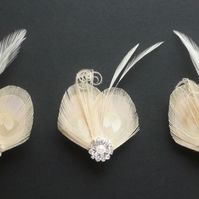 Set of 3 Bridesmaids Hair Clips 'Lisette' Nude Cream PEACOCK Feather Fascinators