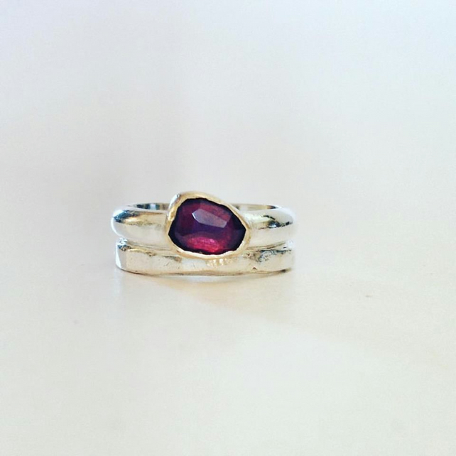 Garnet Ring with 9 ct Gold Setting