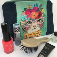 Make Up Cosmetics Bag Jewellery Pouch: Pencil Case Animal Magic