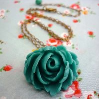 SALE- simply beautiful necklace