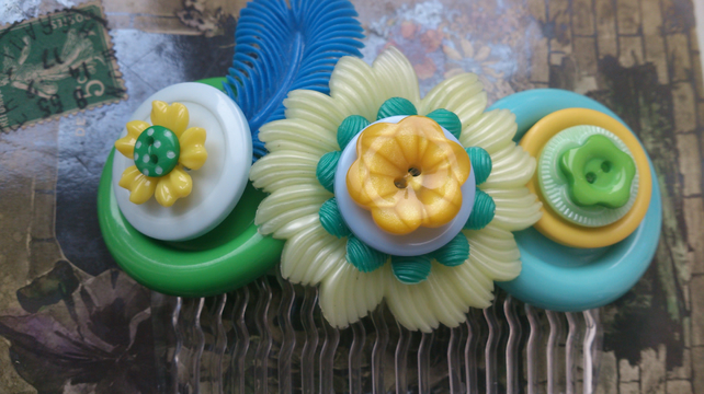 Quirky yellow and green vintage flower hair comb