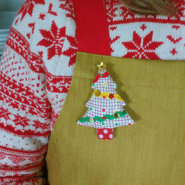 Vintage Style Christmas Tree Brooch - hand sewn brooch, mixed textiles, sequins