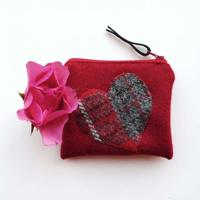 HARRIS TWEED small purse in red with heart
