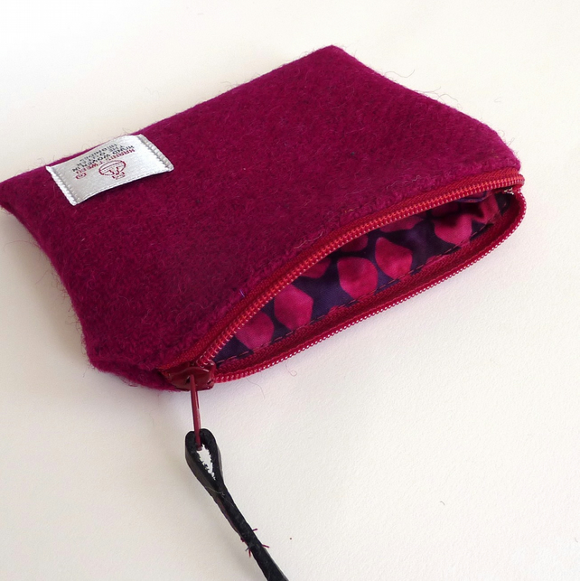 Harris Tweed coin or change purse, zipped, in burgundy