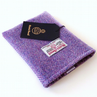 Kindle case in lilac Harris Tweed herringbone, padded and lined