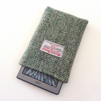 Kindle Voyage cover in green Harris Tweed herringbone