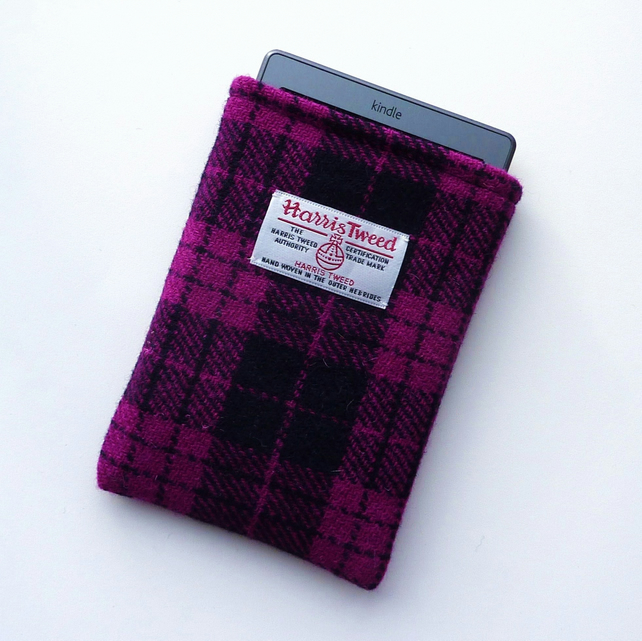 Kindle Voyage cover in pink and black Harris Tweed, lightly padded