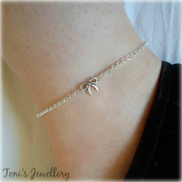 Tiny Bow Anklet