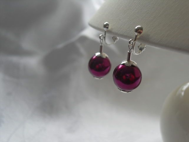 Clip on cerise pearl earring