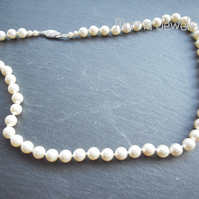 Swarovski cream pearl necklace