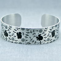 Squirrel cuff bracelet, nature jewellery with squirrels, squirrel gifts. B476