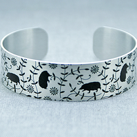 Hedgehog cuff bracelet, wildlife jewellery with hedgehogs, hedgehog gifts. B475