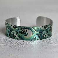 Personalised cuff bracelet with sea surf and ocean waves. B594