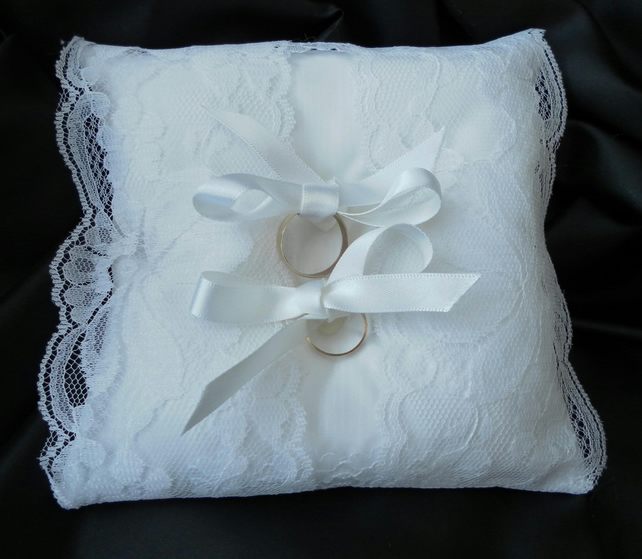 Ring Bearer Pillow, wedding, Cushion, White Lace, White  Ribbon,  Heart Buttons