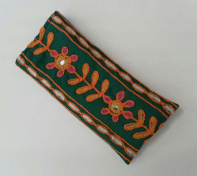 Sunglasses, glasses case, green embroidered fabric
