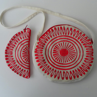 Round Shoulder Bag,  Matching Semi-Circular Purse, Ecru, Red Sun Burst Pattern