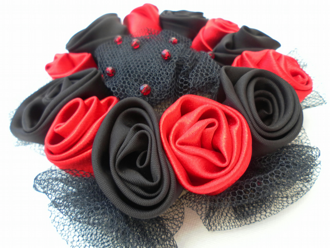 Hair accessory, black and red roses, Gothic Wedding, Bride, Bridesmaid