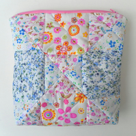 Quilted, patchwork toiletries, wash bag, cosmetics,  water resistant lining.