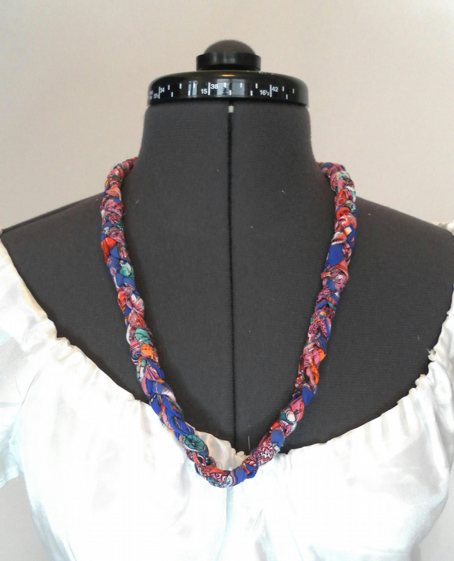 Necklace and bracelet  Multicoloured, Plaited Fabric Jewellery, Single Braid