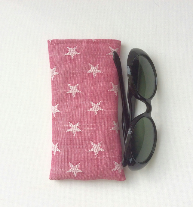 Sunglasses, glasses case, white stars on pink denim