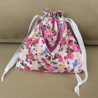 Small drawstring bag, make up, jewellery etc.