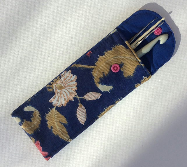 Crochet hook pouch, bag, with fold over flap