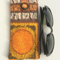 Sunglasses case, glasses case, sixties vintage fabric.