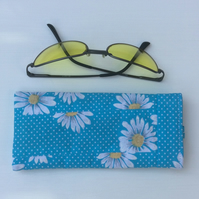Glasses, sunglasses case, shabby chic, patchwork, flowers,