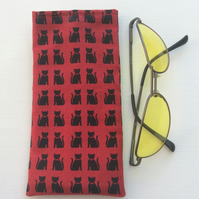 Glasses case, sunglasses soft case, black cats on red fabric, felt lining