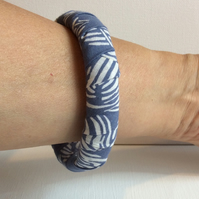 Bangle, bracelet, fabric wrapped, slip on, blue and white