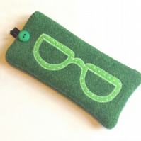 Green Harris Tweed Glasses Case - Appliqued Specs - Free UK Delivery