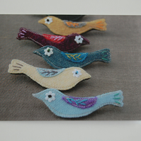 Card Featuring Photo of Embroidered Handmade Wool Birdies