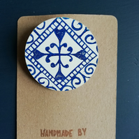 Handprinted Circle Tile Design Brooch